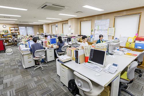 事務室 | 東京子ども図書館